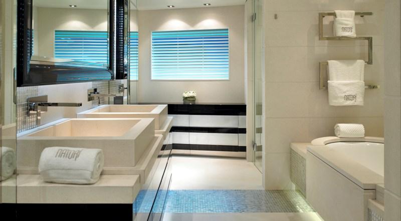 Superb bathroom interior design
