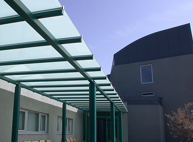 Outdoor corridor blinded glass shelter and canopy