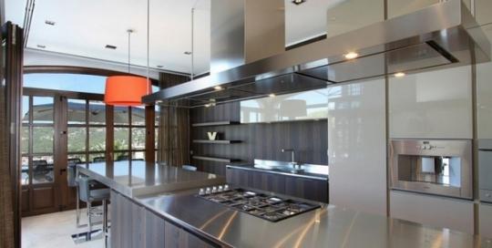 Stainless steel modern kitchen cabinets and kitchen design