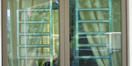 Stainless steel window grille 1