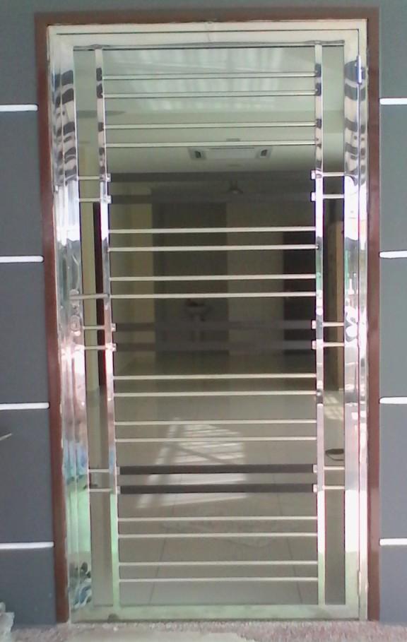 Stainless Steel Single Door Grille