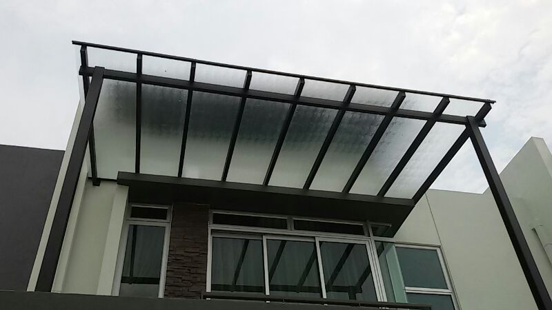 5mm polycarbonate solid panel balcony skylight with one and a half inches hollow mild steel frames and four inches hollow support bar