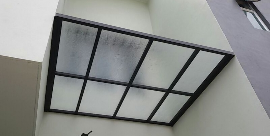5mm polycarbonate solid panel skylight with one and a half inches hollow mild steel frames