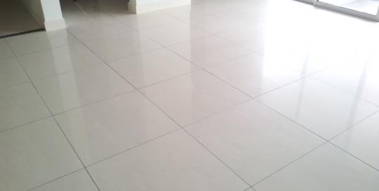 600mm x 600mm cream colored ceramic floor tiles work